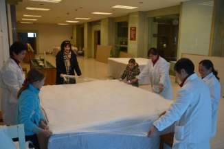 stretching silk for comforter stuffing