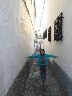 narrow street in Granada