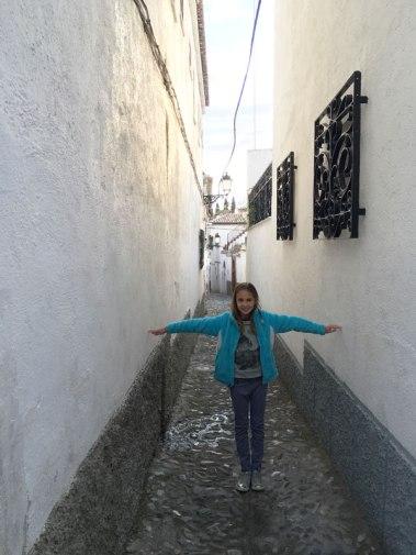narrow street in Granada