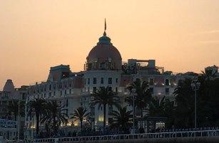 dusk in Nice