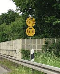 tank speed limit sign, Hamelin