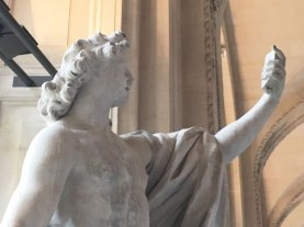Apollo taking a selfie, Louvre